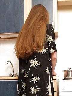 Long Hair MILF Pics